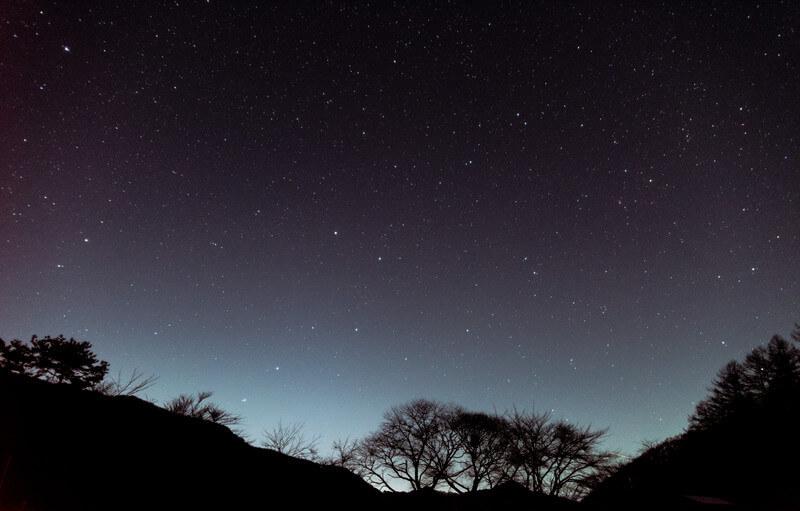 流星を待ちながら観る夜空