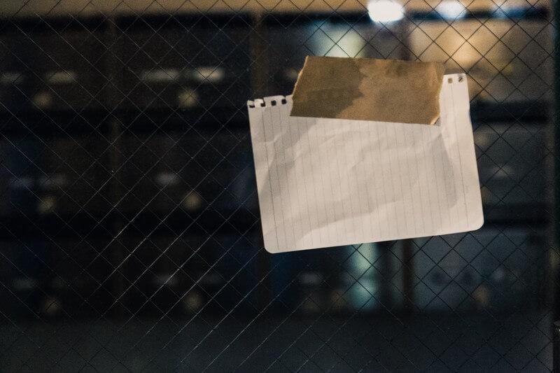 玄関に嫌がらせで貼られた怪文書