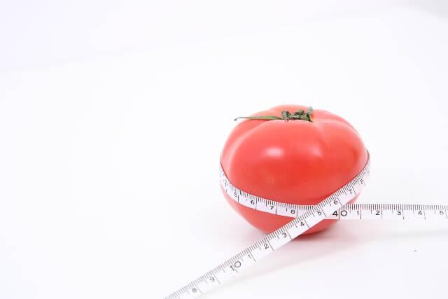 野菜スープに入れると効果的なトマト