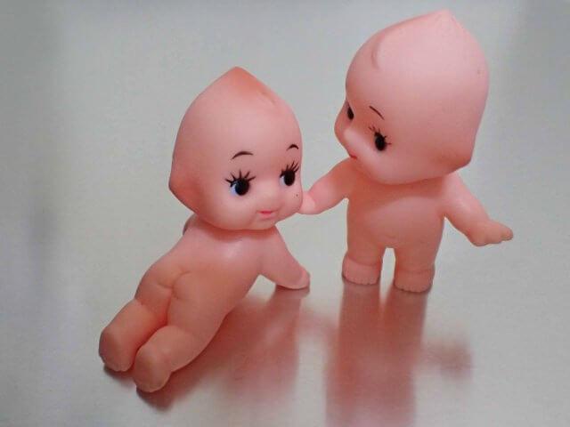 男女の双子の赤ちゃん