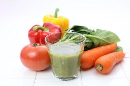 健康診断結果を見て食生活改善のために必要な野菜